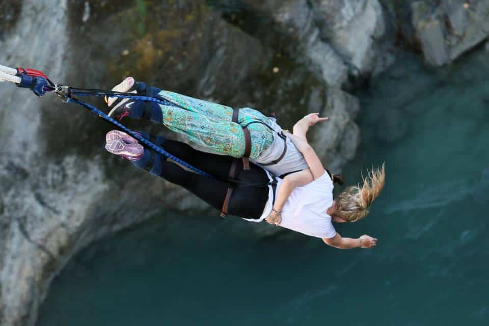 bungy jumping in queenstown is a must do while Travelling around New Zealand
