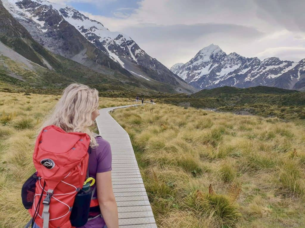 one of my favourite walks to Hooker Valley Glacier a must see on your south island road trip!